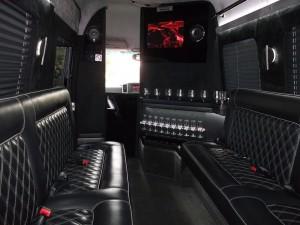 black-limobus